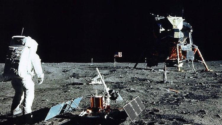 Bulan: Bukti foto mematahkan teori konspirasi pendaratan Apollo 11, 50 tahun lalu