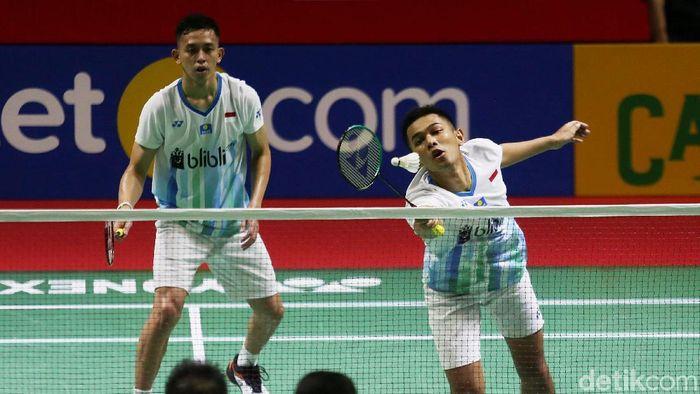 Fajar Alfian/Muhammad Rian Ardianto melaju ke babak perempatfinal Indonesia Open 2019. (Agung Pambudhy/detikSport)