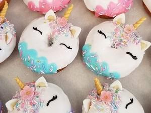 Gemas! 10 Donat Kucing hingga Unicorn Ini Sayang Dimakan