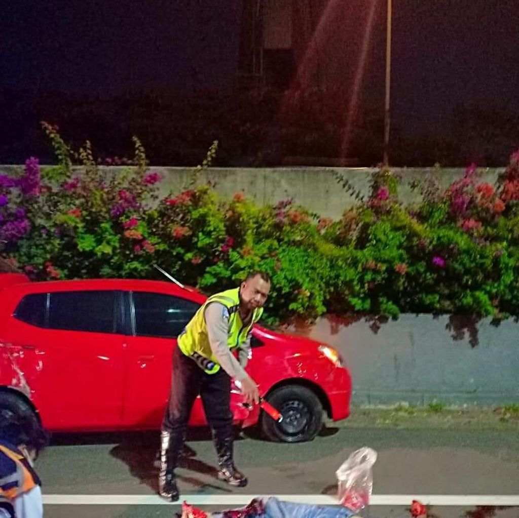 Korban Tewas Tabrak Lari di Tol Kamal Sedang Ganti Ban Pecah