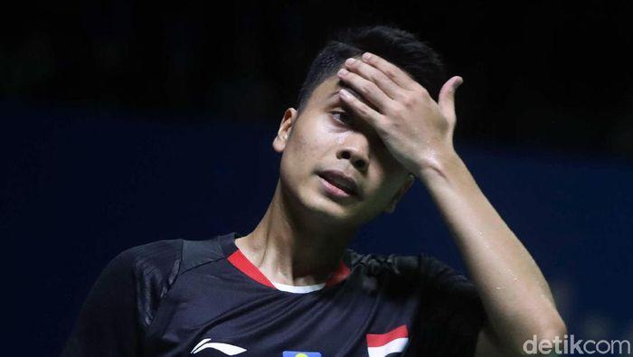Anthony keilangan momentum di gim pertama babak 16 besar Indonesia Open 2019. (Pradita Utama/detikSport)