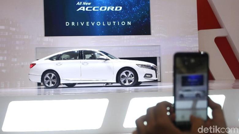 Honda Prospect Motor (HPM) meluncurkan sedan terbarunya di Indonesia, Honda Accord Turbo. Ini pertama kalinya Accord Turbo meluncur di Indonesia.