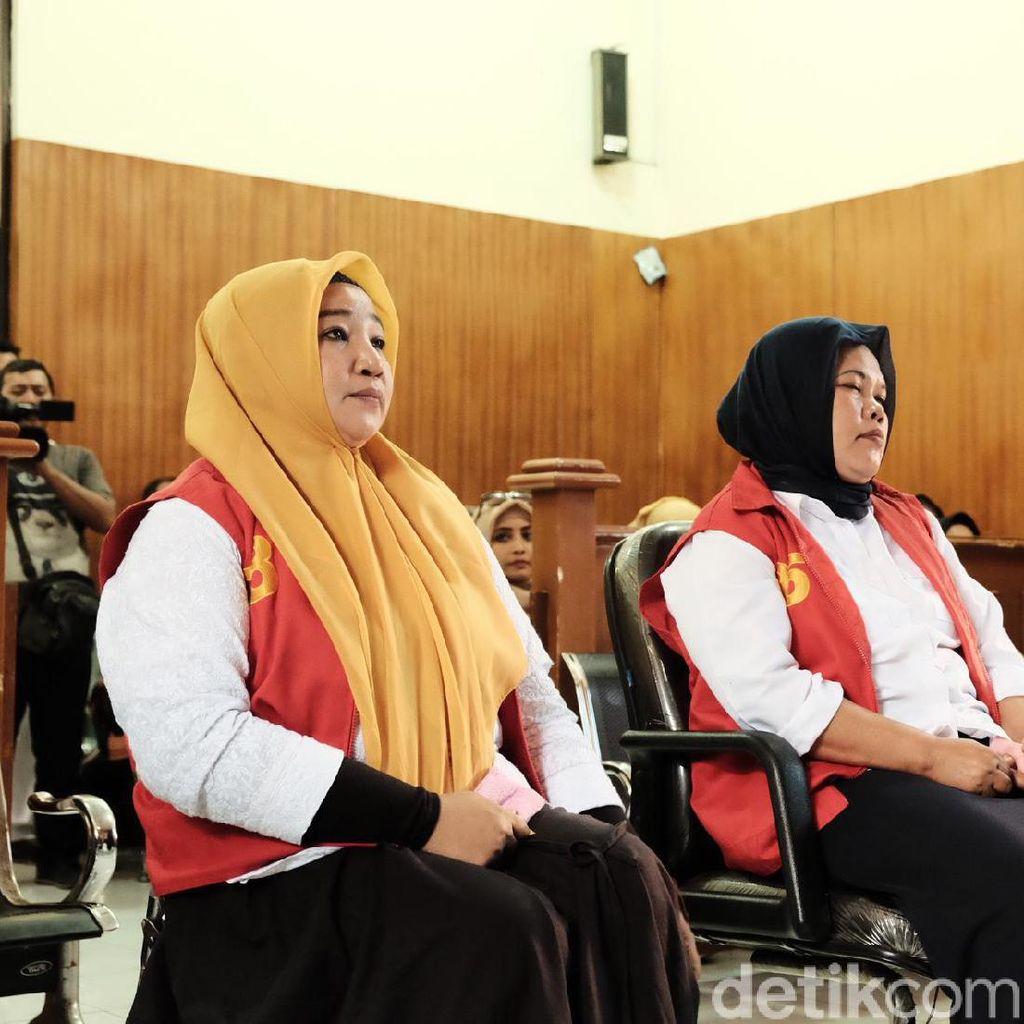 3 Terdakwa Kampanye Hitam Jokowi Minta Ditengok Prabowo-Sandiaga