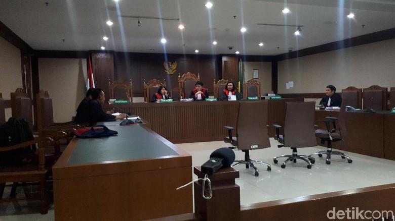 Terdakwa Erwin Sakit, Sidang Dakwaan Kasus Suap Proyek Bakamla Ditunda