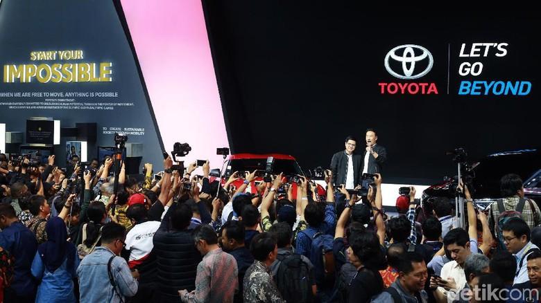 Booth Toyota di GIIAS 2019 Foto: Ari Saputra