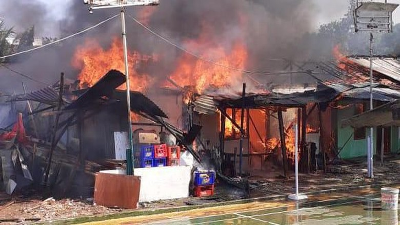 Permukiman Padat di Bintaro Terbakar, 10 Unit Mobil Damkar Dikerahkan