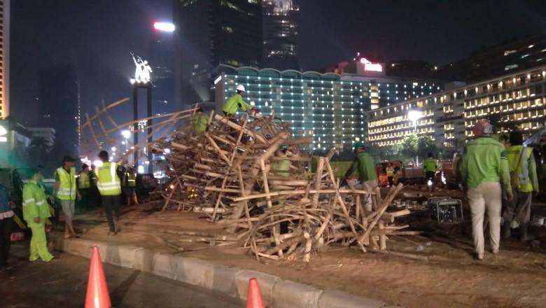 Bongkar Bambu Getah Getih, DKI: Sudah pada Jatuh, Membahayakan