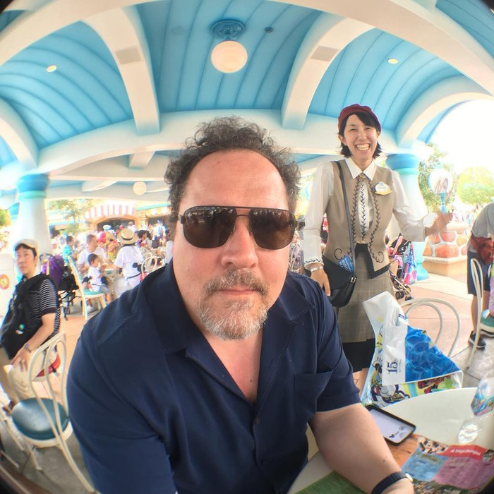 Produser, aktor hingga sutradara Jon Favreau dipercaya menggarap live-action The Lion king. Sebelumnya, Jon sudah lebih dulu menggarap The Jungle Book. Foto: Instagram jonfavreau