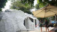 Kolam renang dingin SnowBay berkonsep igloo atau rumah es (dok. SnowBay)