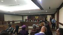 Pakai Ikat Pinggang, Begini Kejadian Pengacara TW Serang Hakim PN Jakpus