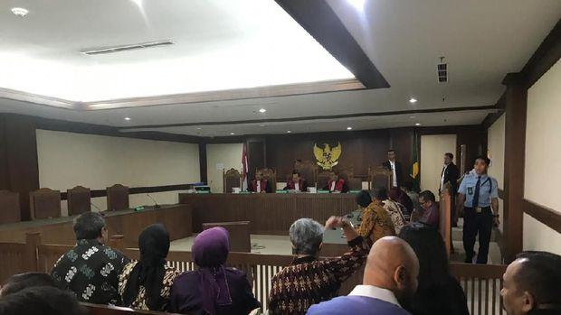 Kondisi ruang sidang saat pengacara TW sabet hakim beberapa waktu lalu