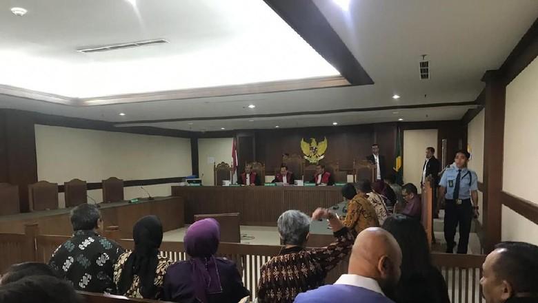 Video Detik-detik Pengacara Serang Hakim di PN Jakpus