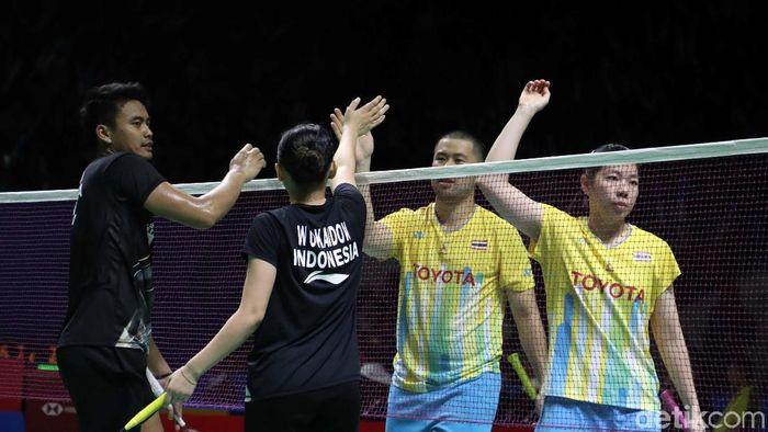 Tontowi Ahmad/Winny Oktaviona Kandow melaju ke perempatfinal Indonesia Open 2019. (Pradita Utama/detikSport)