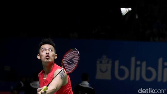 Tunggal putra China, Lin Dan dipermalukan pebulu tangkis asal Taiwan Chou Tien Chen dalam lanjutan Indonesia Open 2019.