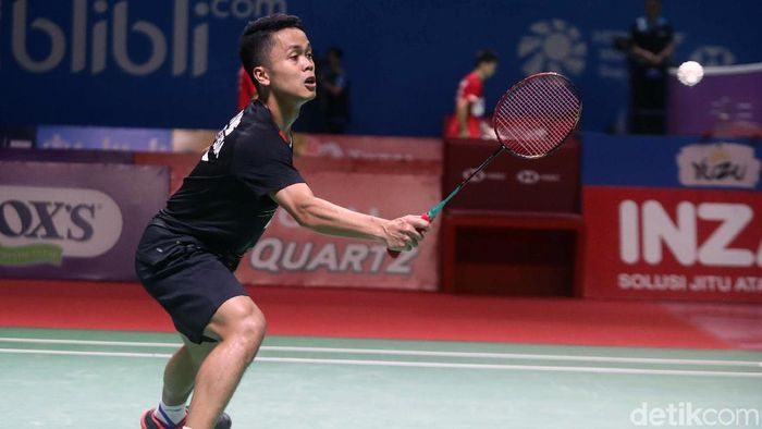 Anthony Ginting dikalahkan Kento Momota di final China Open. (Foto: Pradita Utama)