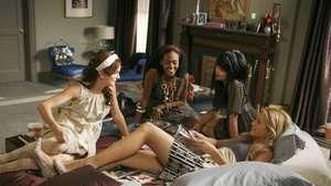 Blake Lively Si Gossip Girls Pamer Punggung