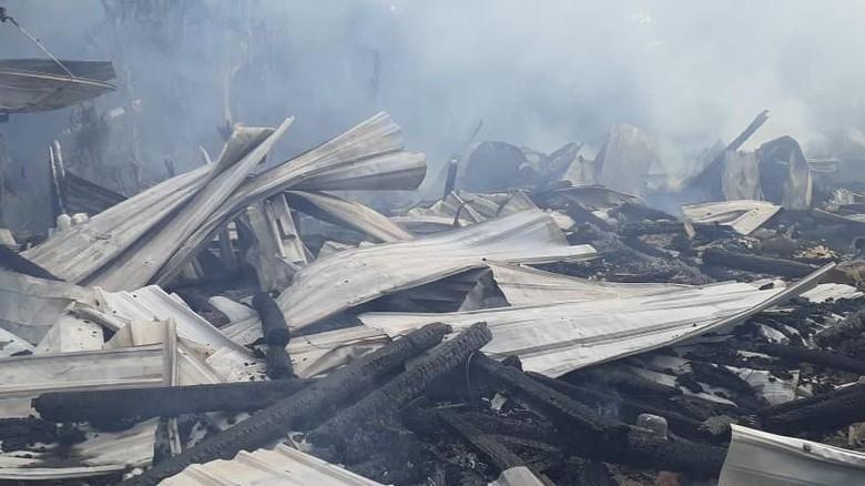 8 Rumah Terbakar di Sumbawa Barat, 1 Orang Tewas