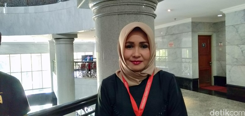 Senator Terpilih Hadiri Sidang MK Foto Kelewat Cantik, Ini Sosoknya