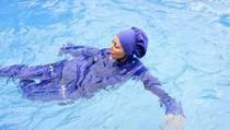 2 Wanita Muslim Nekat Langgar Larangan Pakai Burkini di Kolam Renang Prancis