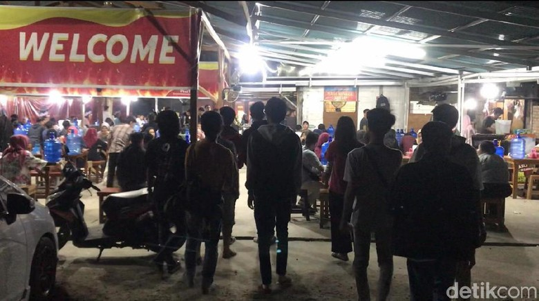 Melihat Warung Neraka yang akan Ditertibkan Pemkot Padang