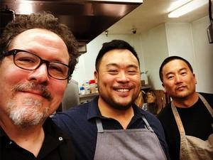 Sutradarai Live-Action The Lion King, Jon Favreau Doyan Makan dan Masak Steak