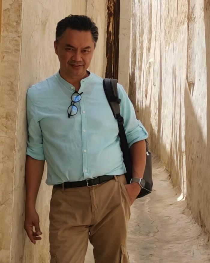 Inilah sosok Dino Patti Djalal yang lahir di Belgrade, Yugoslavia pada 10 September 1965. Ia pernah menjabat sebagai Wakil Menteri Luar Negeri Indonesia dari 14 Juli 2014 hingga 20 Oktober 2014. Foto: Instagram dinopattidjalal