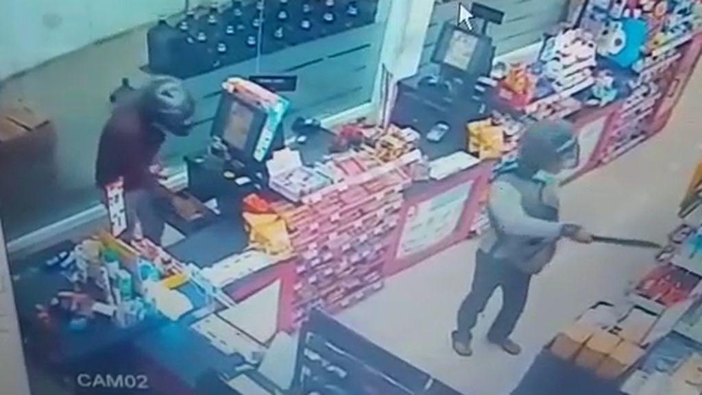 Perampok yang Satroni Minimarket di Surabaya Beraksi 2 Kali