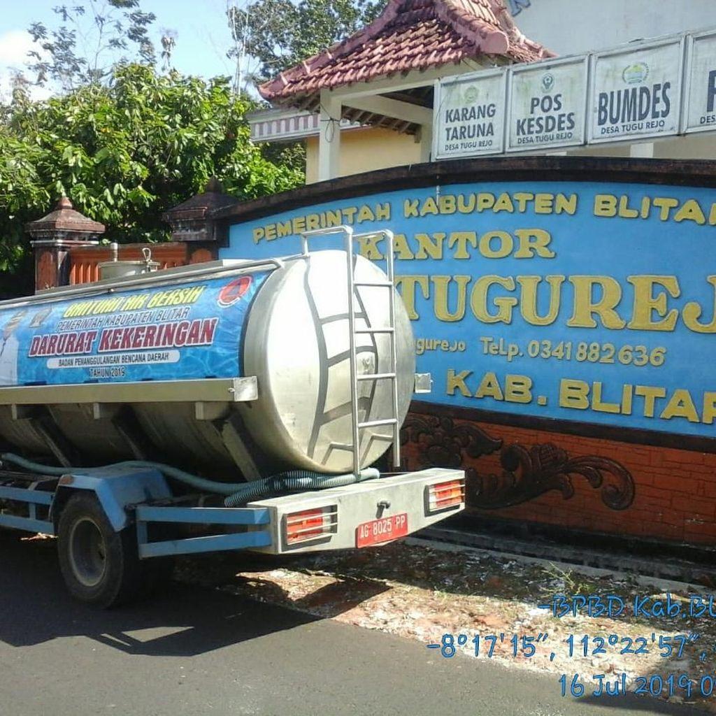 Kiriman Air Terus Disalurkan ke Blitar Selatan yang Kekeringan