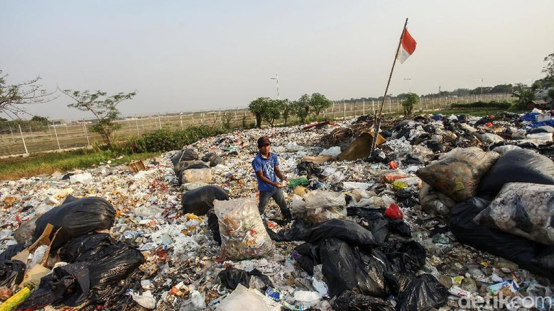 Potret Nyata Tumpukan Sampah Plastik di Sekitar Kita