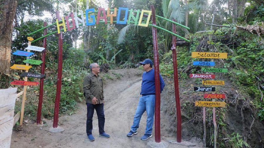 Inilah gerbang masuk ke wisata penangkaran burung Maleo di Gunung Hungayono. Tepatnya di Kecamatan Suwawa, Kabupaten Bone Bolango, Provinsi Gorontalo. (dok. Humas Bone Bolango)