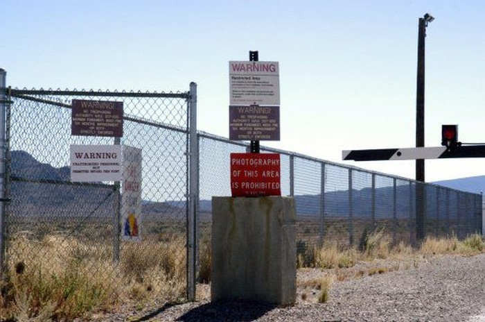 Peringatan di Area 51. Foto: Metro