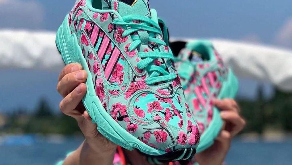 Pembeli Rusuh, Penjualan Sneakers Adidas Rp 14 Ribu Dihentikan Polisi