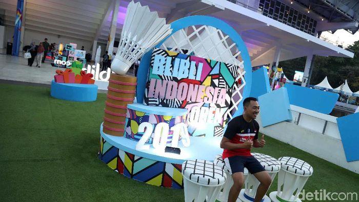 Indonesia Open 2019 menampilkan sesuatu yang berbeda. Ada zona museum yang mengajak fan bulutangkis menjumpai bintang-bintang pada zamannya.