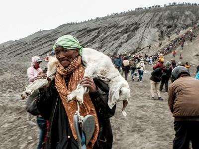 Upacara Yadnya Kasada di Bromo Mampu Pikat Turis Asing