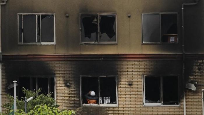 Gedung Kyoto Animation di Jepang usai kebakaran. (Foto: AP Photo/Jae C. Hong)