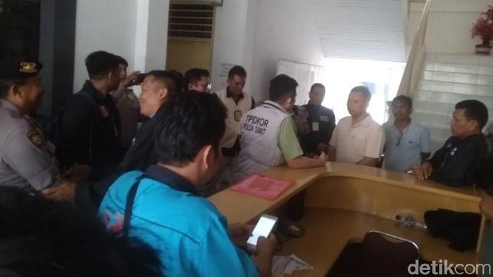 Foto: Penyidik Tipidkor Polda Sumut Geledah Lagi Kantor BPKD Pematangsiantar (ist)