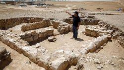 Arkeolog Temukan Reruntuhan Masjid dari Era Kedatangan Islam di Israel