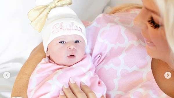 Duh, Usai Lahiran Seleb Ini Dibully Karena Tak Pajang Foto Anak