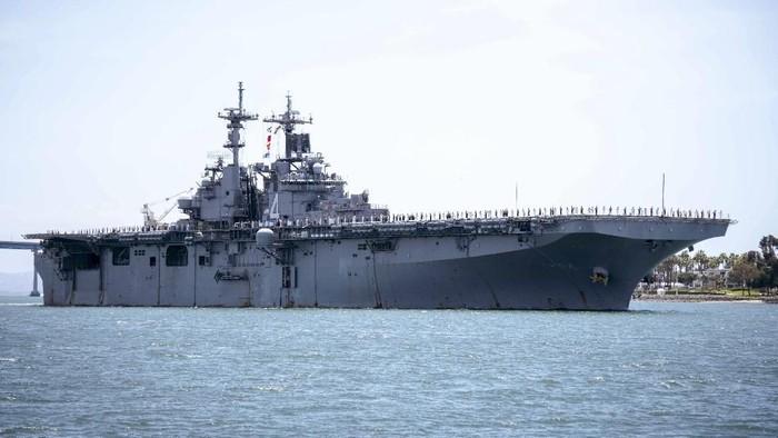 USS Boxer. Foto: Mass Communication Specialist 2nd Class Jesse Monford/U.S. Navy via AP