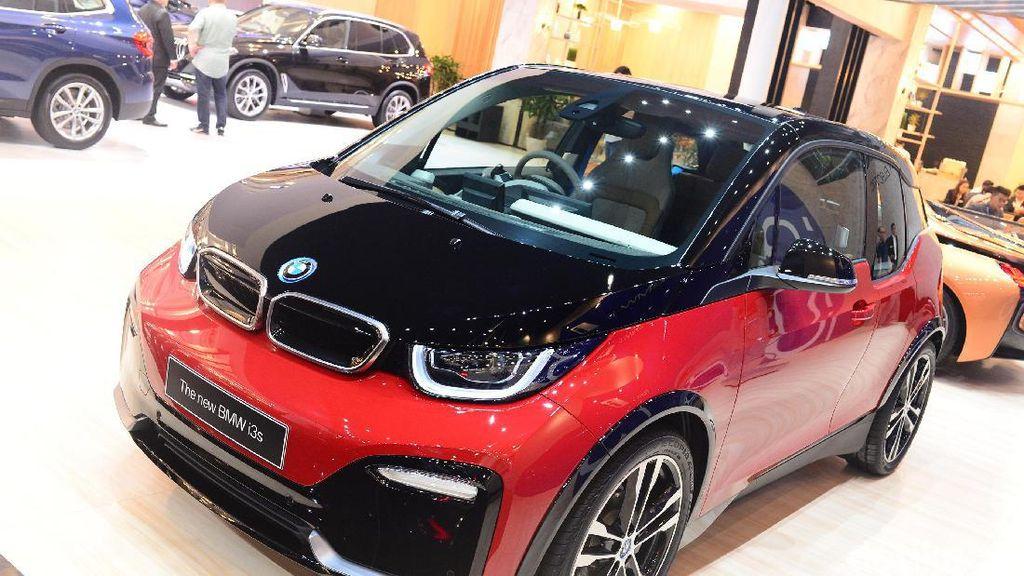 Perpres Sudah Diteken Jokowi, Harga Mobil Listrik BMW Bisa Turun?