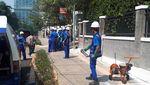 Penampakan Sampah Kondom yang Sumbat Gorong-gorong Mega Kuningan