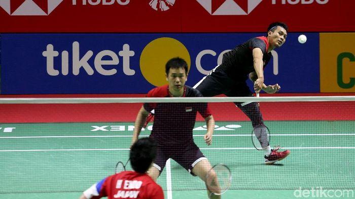 Hendra Setiawan/Mohammad Ahsan melaju ke semifinal Indonesia Open 2019.  (Agung Pambudhy/detikSport)