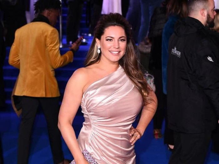 LONDON, ENGLAND - DECEMBER 12: Kelly Brook attends the European Premiere of Mary Poppins Returns at Royal Albert Hall on December 12, 2018 in London, England. (Photo by Jeff Spicer/Getty Images)