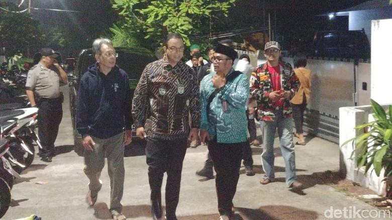 Melayat ke Rumah Duka, Anies Kenang Arswendo: Beliau Kreatif Luar Biasa