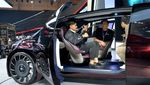 Kaesang Lihat Mobil Futuristic Toyota