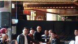 Garuda Indonesia dan YouTuber Rius Vernandes Resmi Berdamai!