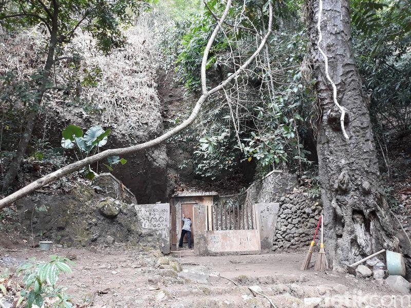 Kabupaten Bantul di Provinsi DI Yogyakarta menyimpan beraneka jenis tempat wisata. Salah satunya mata air Sendang Bengkung di Kecamatan Dlingo. (Pradito Rida Pertana/detikcom)