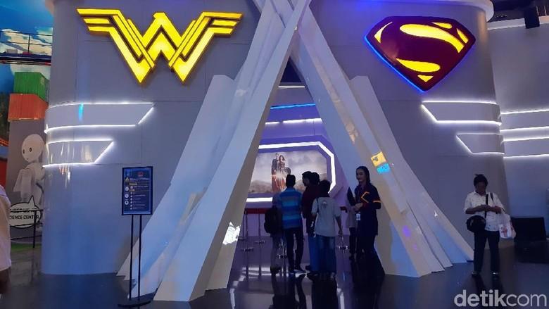 4D Theater Wonder Woman dan Superman di Trans Studio CIbubur (Bonauli/detikcom)