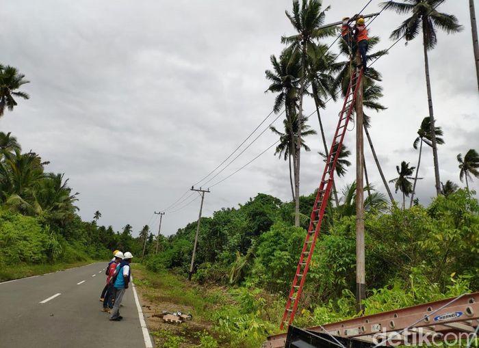 Hingga hari ini (19/7/2019) atau H+5 pasca bencana gempa tersebut, PLN telah memulihkan 99 % sistem kelistrikan di lokasi-lokasi yang terdampak gempa.