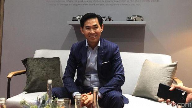 Presiden Direktur PT Mercedes-Benz Distribution Indonesia Choi Duk Jun